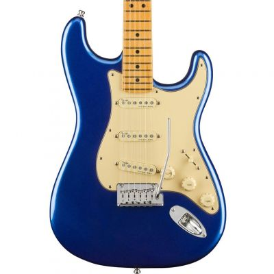 Fender American Ultra Stratocaster, Maple Fingerboard, Cobra Blue
