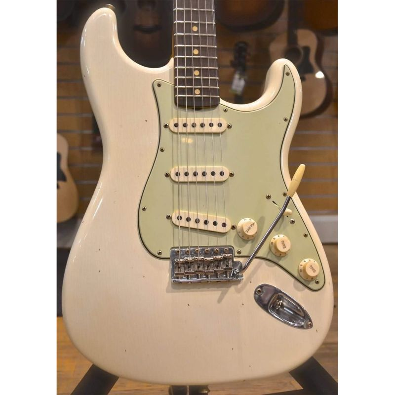 Fender Custom Shop, Limited Edition '62/'63 Stratocaster Journeyman Relic, Rosewood Fingerboard, Aged Olympic White