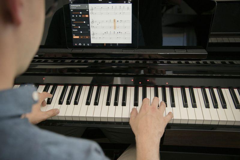 Yamaha CSP150PE Smart Digital Piano in Polished Black